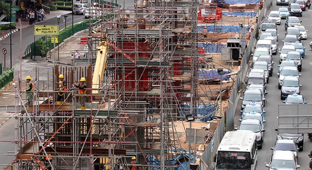 Macet Pembangunan LRT